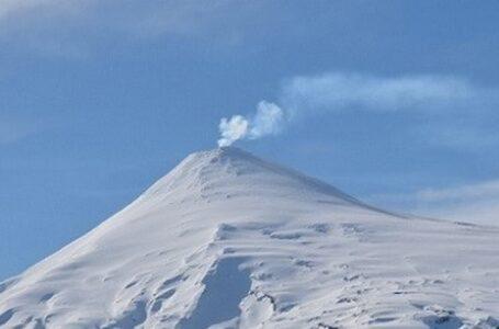 Joven Que se Extravió en el Volcán Villarrica Fue Rescatado Sano y Salvo Por Bomberos