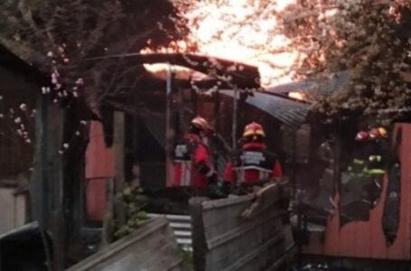 Incendio Dejó Tres Personas Muertas y Una Casa Destruida En Angol