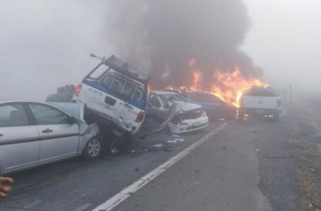 Dos Muertos y 8 Lesionados Deja Enorme Colisión Múltiple en Ruta 5 Sur en Victoria