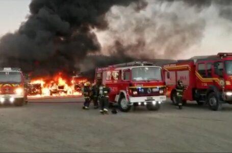 15 Camiones Resultaron Quemados Tras Ataque Incendiario en Angol