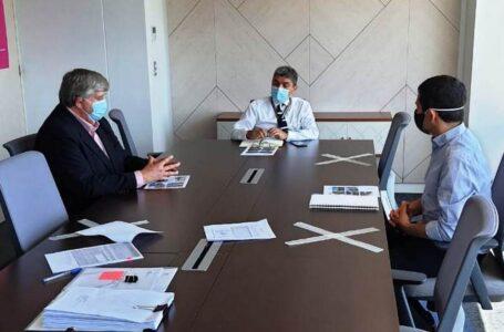 Alcalde Germán Vergara realiza gestiones en infraestructura para la Escuela Epu Kley de Licán Ray