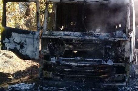 Camión Forestal Fue Quemado Por Desconocidos en Lautaro