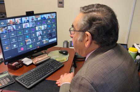 Autoridades informan de bonos y beneficios para emprendedores